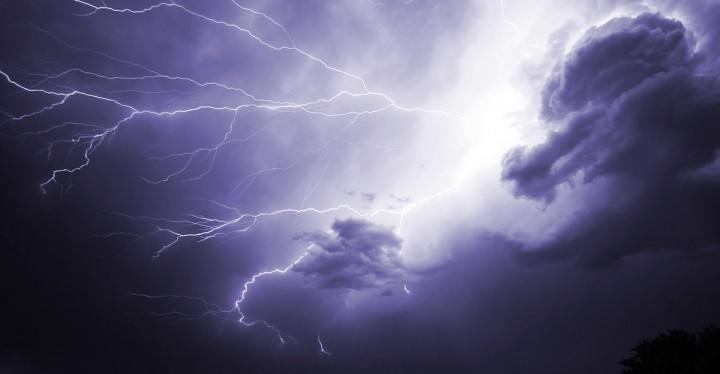 Lightning 1056419 1280